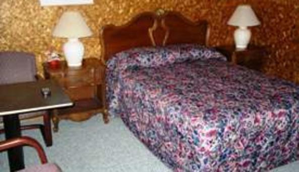 Pine Grove Motel 3