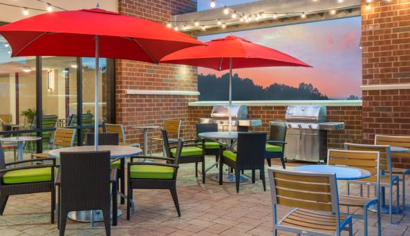 Outdoor Patio & BBQ Grills