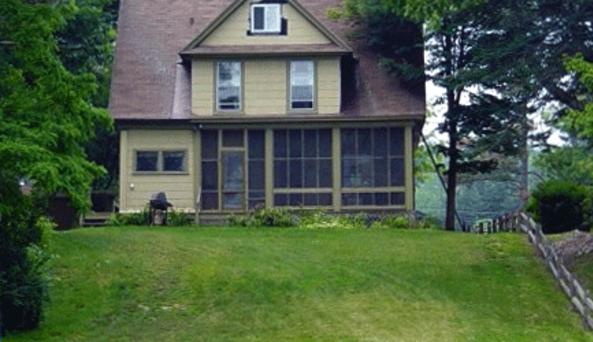 Triple Sac Cottages