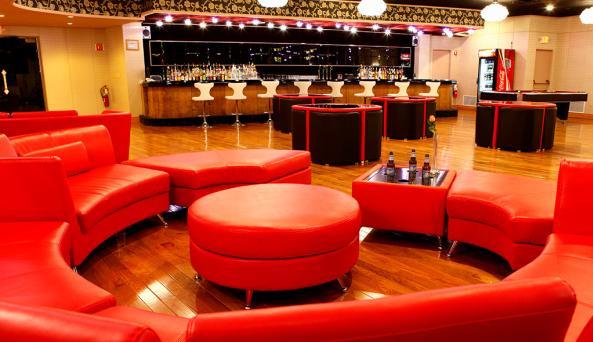 Zephyr Lounge & Bar