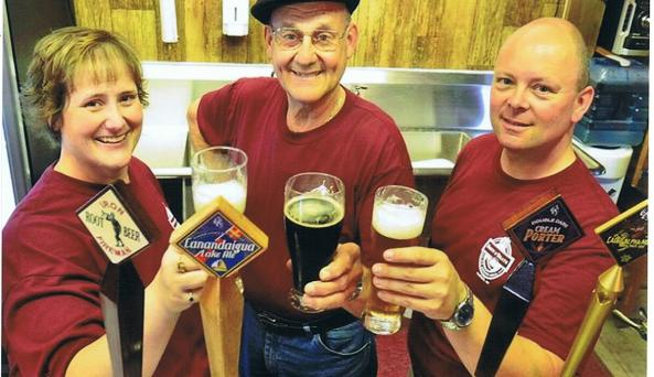 brew-and-brats-naples-interior-people