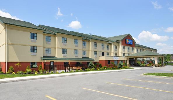Comfort Inn & Suites AkwesasneExterior