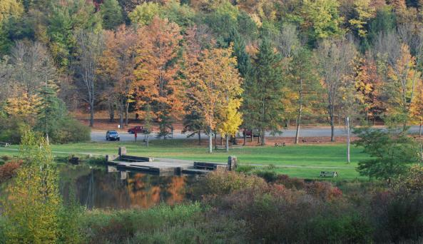 autumn-hikers.jpg