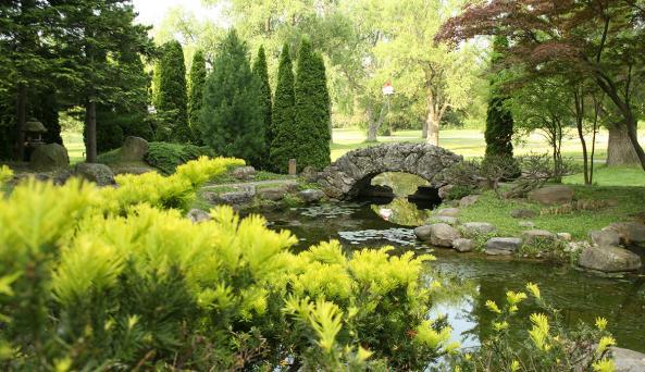finger-lakes-sonnenberg-canandaigua-gardens
