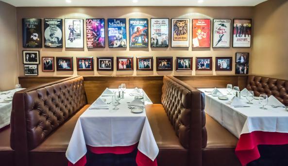 Frankie & Johnnie's Steakhouse—46th Street, interior