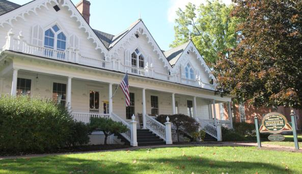 foster-cottage-museum-clifton-springs-front-exterior