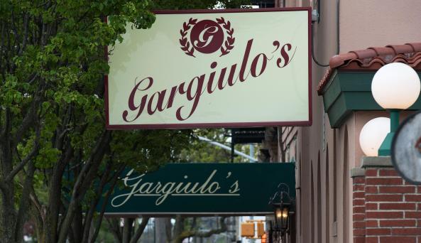 Gargiulo's interior