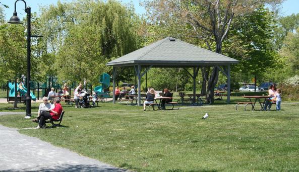 kershaw-park-canandaigua-bench-pavillion