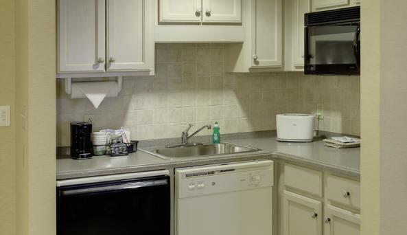 King Studio Suite Kitchen