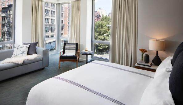 Smyth, a Thompson Hotel, one bed