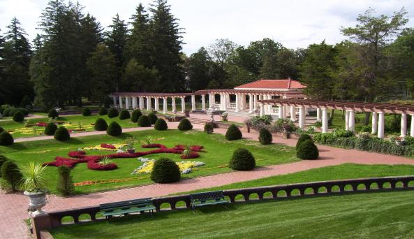 Sonnenberg Garden