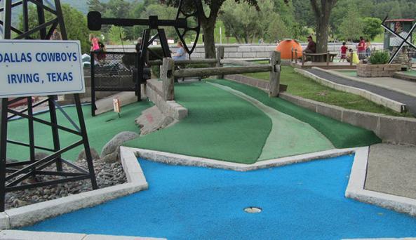 Around the World Minature Golf ~ Around the US Minature Golf