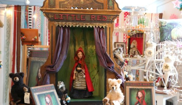 true-lily-canandaigua-interior-little-red-riding-hood