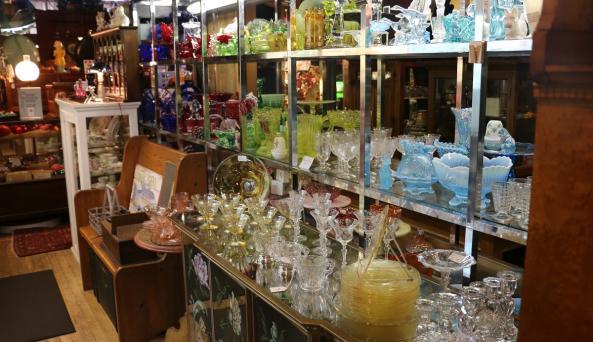 uncle-sams-antiques-interior-8