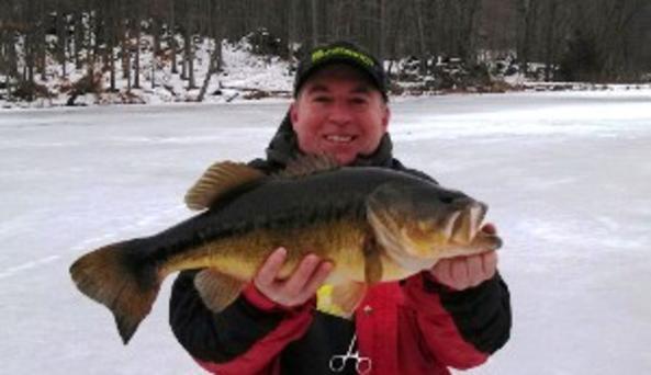 Lucky Buck Ice Fishing