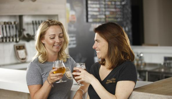young-lion-brewing-canandaigua-interior-beer-toast
