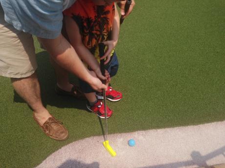 mini golf at Club house fun center