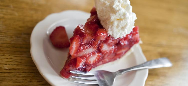 Tasty Strawberry Pie in Kansas