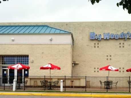 Big Woodys Bar & Grill Chesapeake Square