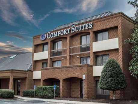 Comfort Suites Exterior