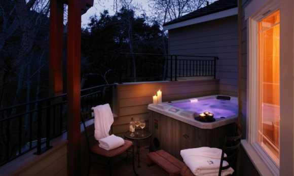 AvilaVillageInnSpa-Hot Tub Deluxe Room.jpg