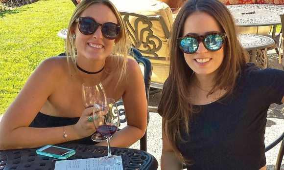 Girls wine tasting940x.jpg