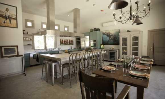 KitchenWideFmLoungeLR.jpg