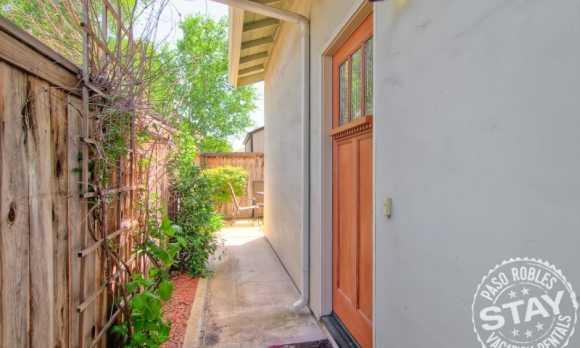 21 Alley House.jpg_small.jpg
