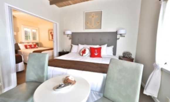 rm8 bedroom king.jpg