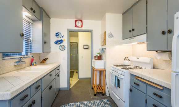 0013_Kitchen_2202 Pacific.jpg