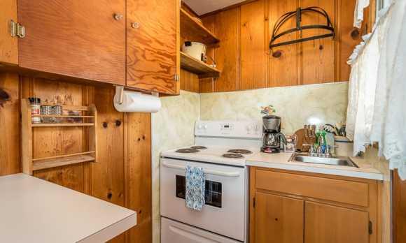 0036_Kitchen_2670 Studio.jpg