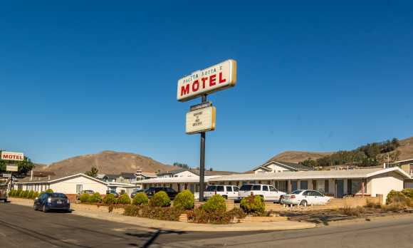 Pacific Cottage Motel