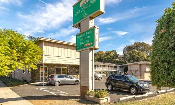 San Luis Inn & Suites