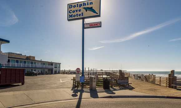 Dolphin Cove Motel