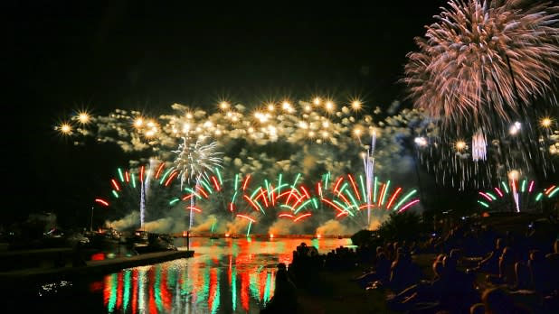 2015 July 25th Fireworks-Oswego Harborfest - Photo by Robert J Clark Photography