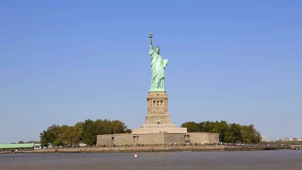 CIRCLE LINE CRUISE - Statue of Liberty _ Photo by Marley White - Courtesy of NYC & Co