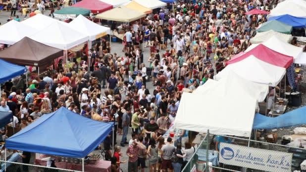 Brooklyn Flea Market - Smorgasburg - Photo by Alexander Thompson