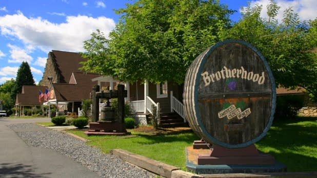 Entrance to Brotherhood Winery