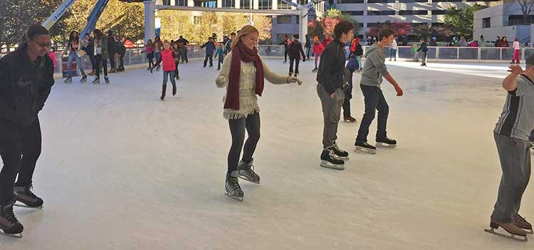 Ice-Skating-in-Kansas-City-at-the-Crown-Center-Ice-Terrace