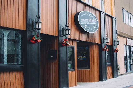 Favorite Local Restaurant - Houligans