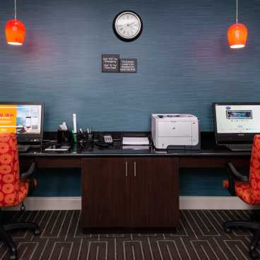 Hampton Inn LaPlace Business Center