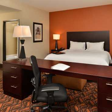 Hampton inn Harvey King Room