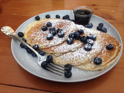 Cindy's Rooftop (blueberry pancakes) at Chicago Athletic Association Hotel