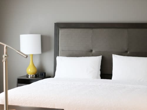 hampton inn king bed