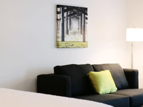 hampton inn room sofa