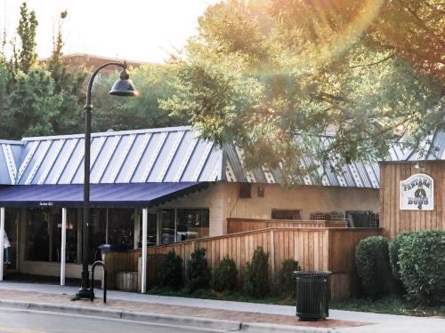 Pantana Bob's