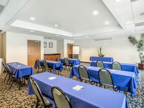 Sleep Inn meeting room
