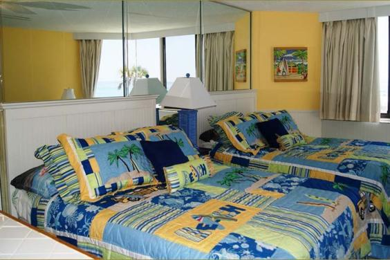 Top of the Gulf 219 Sleeps 4 with 2 queen beds