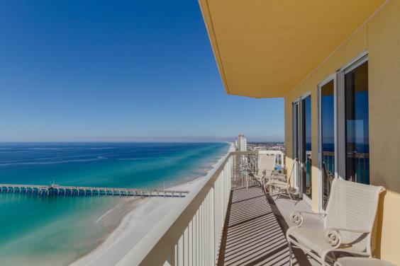 Views of the beach, ocean and Pier