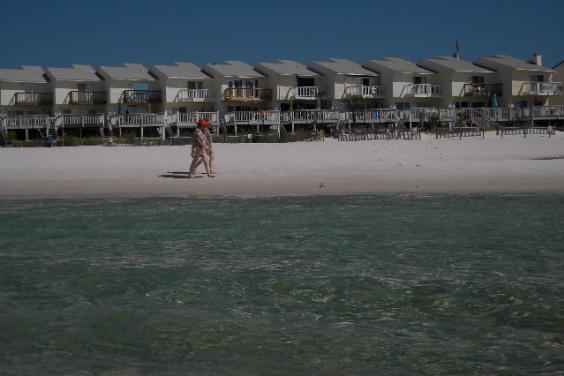 A True Walk Off Your Deck Onto The Sand Villa